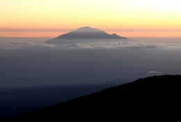 Sunrise Mt Meru Day5